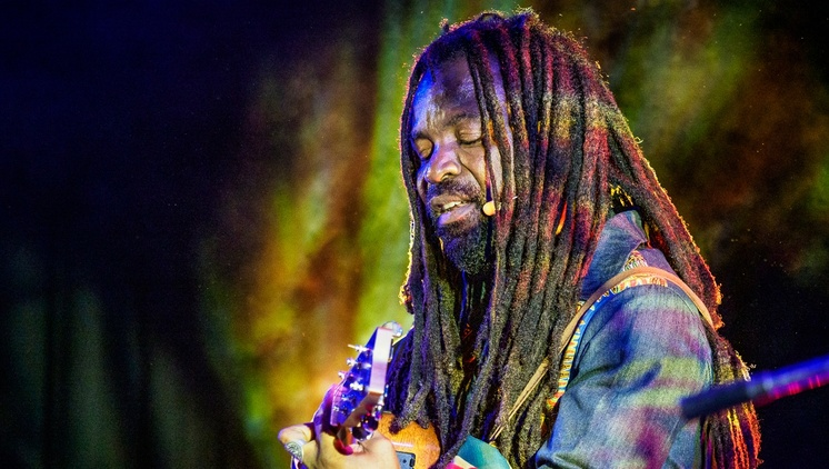 We celebrate Friday with a brand new recording by our favorite Ghana born/Los Angeles-based musician and activist Rocky Dawuni.