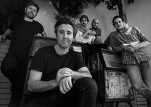 """Rolling Blackouts Coastal Fever: """"An Air Conditioned Man"""" Live on MBE"""