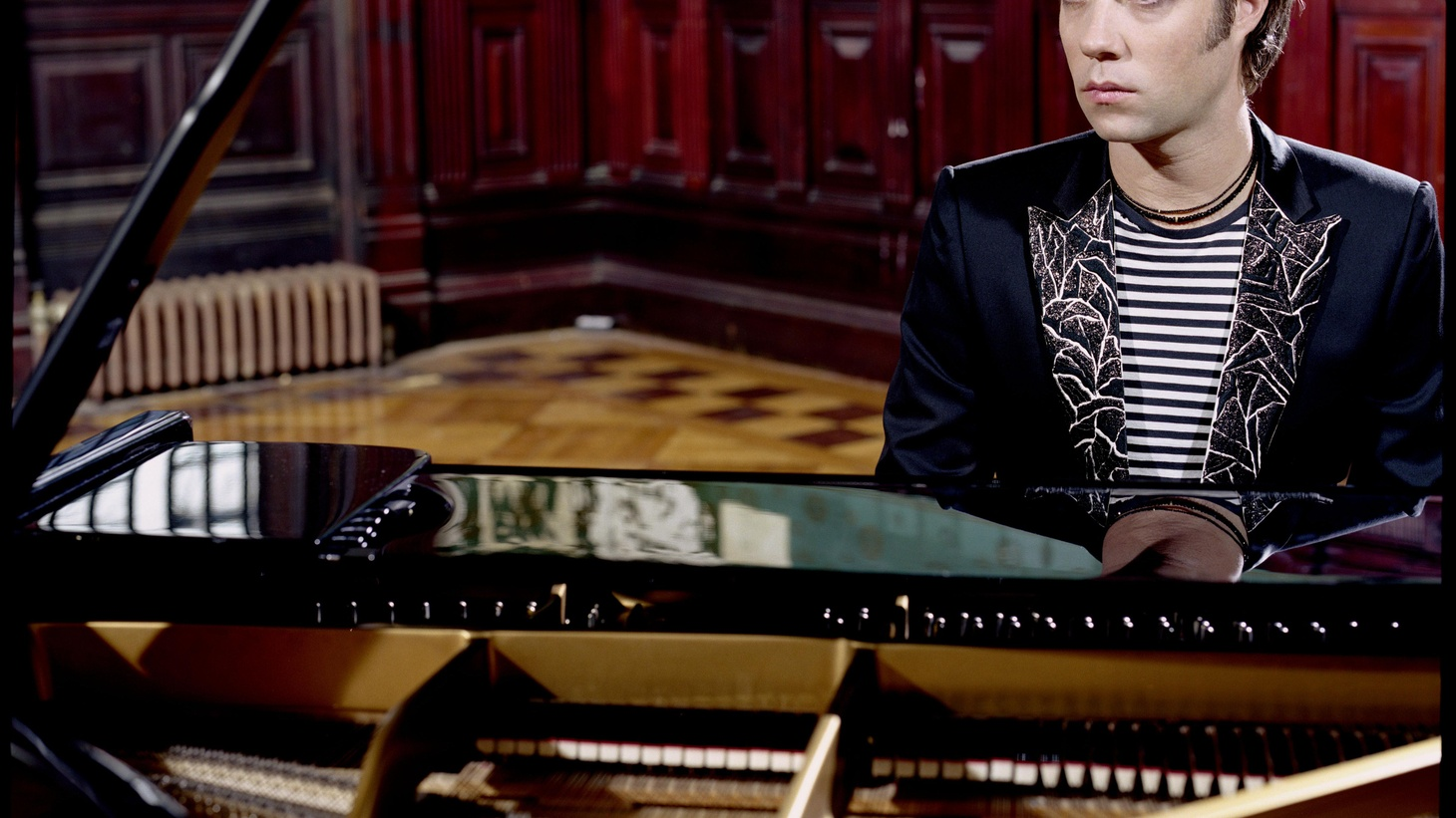 """When Rufus Wainwright sits at the piano, anything can happen. He can belt out a song that's pure joy or capture our hearts with thoughtful bittersweet beauty. On Today's Top Tune, he simply shares his thoughts on """"True Loves"""", from his album, All Days Are Nights: Songs for Lulu."""