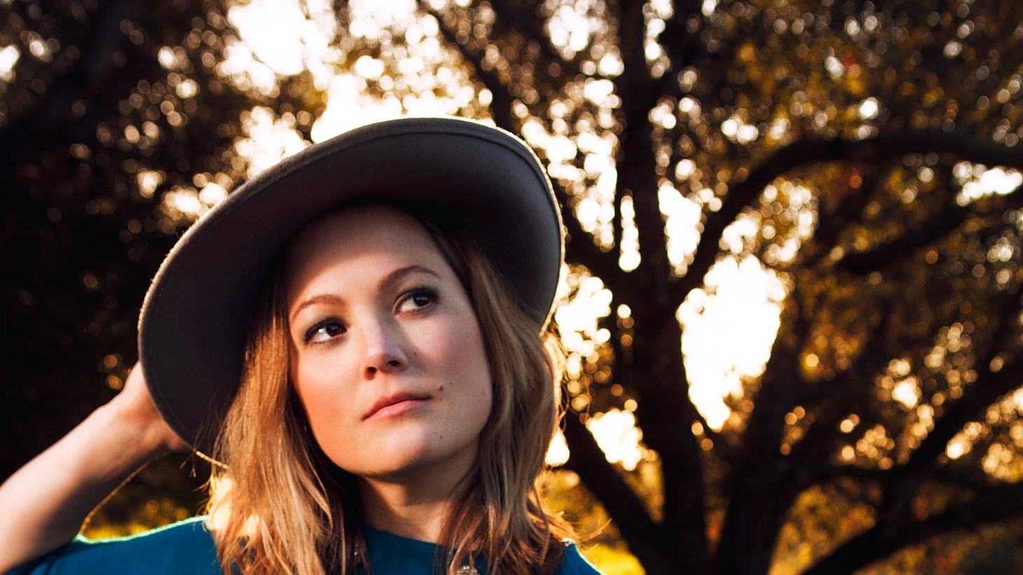 Nickelcreek singer and fiddler Sara Watkins covers a lot of territory on her new CD, with her own versions of songs by Willie Nelson and The Everly Brothers.