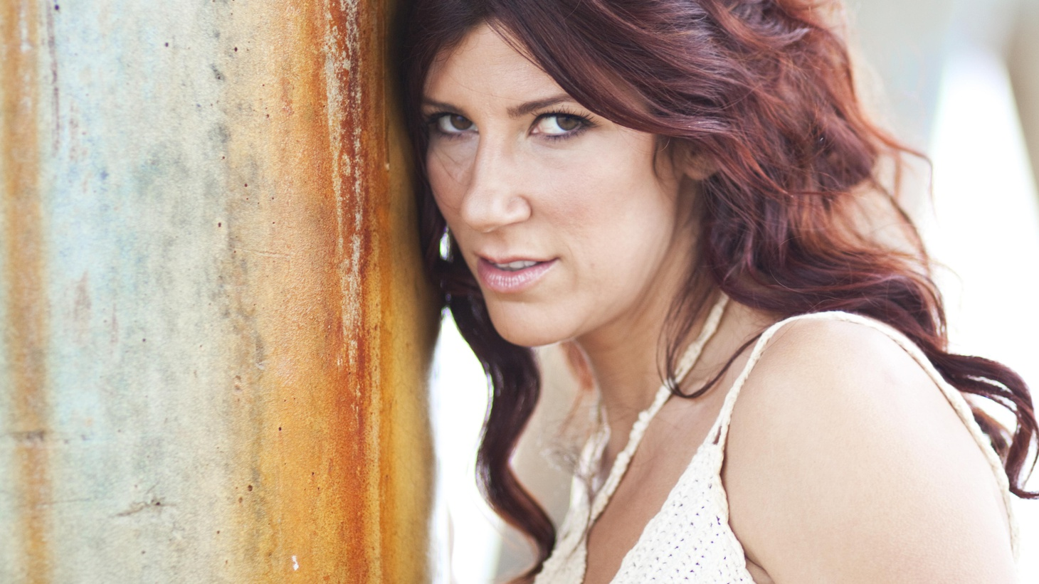 Shana Halligan's sultry vocals mix with jazzy beats on her new EP, released on a label founded by Thievery Corporation's Rob Garza.