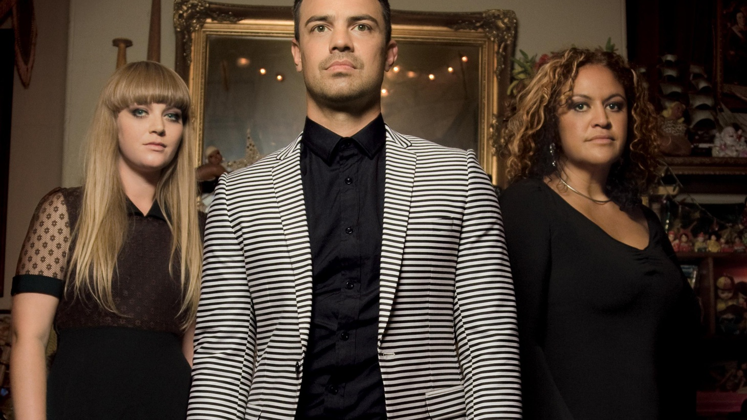 Australian funk/soul band The Bamboos are joined by a slew of great singers on their fifth full-length, including Aloe Blacc, Daniel Merriweather and...