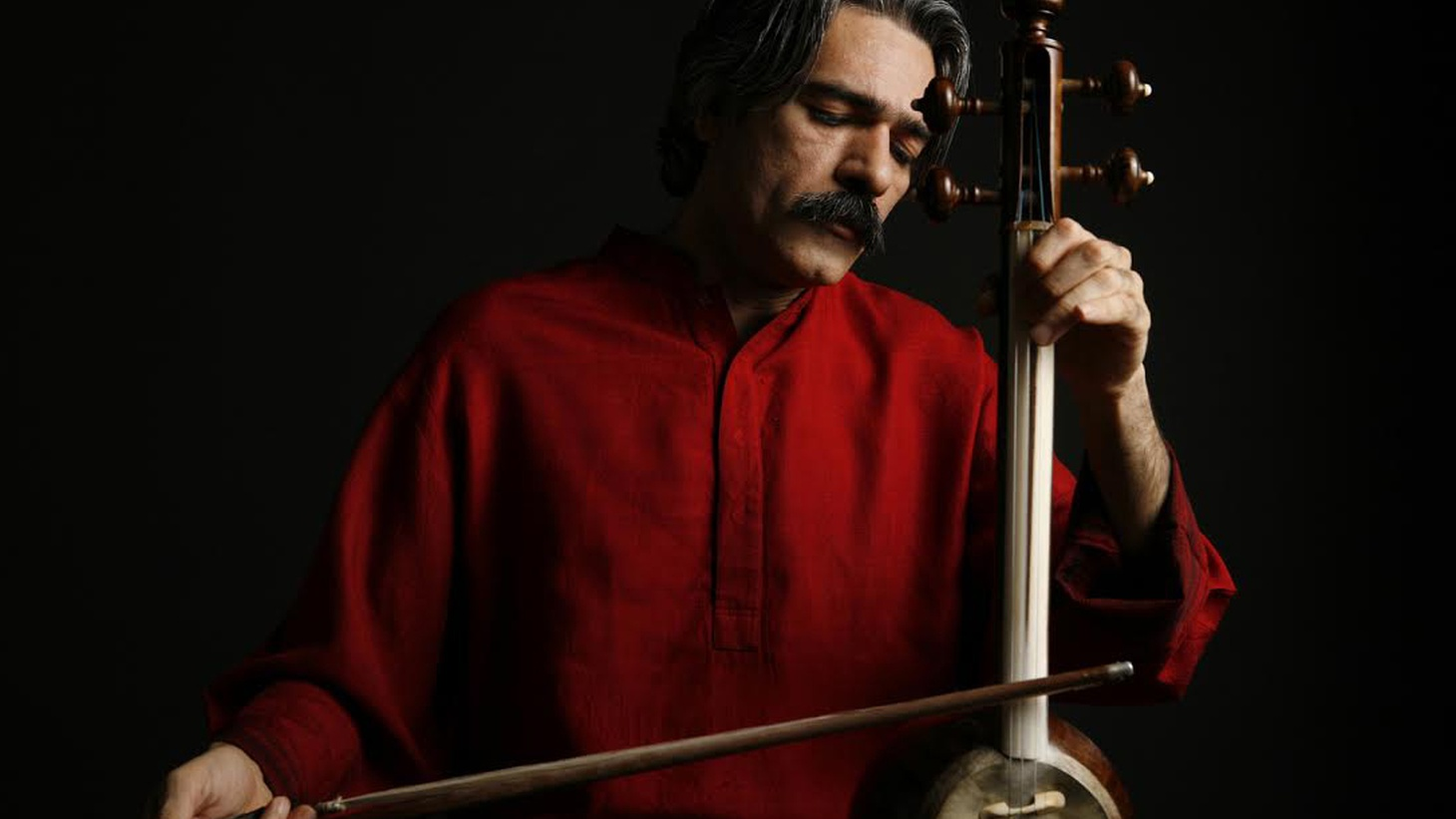 The word Hawniyaz comes from the Kurdish word meaning 'together' or 'for one another' and that's precisely what The Hawniyaz Ensemble do.