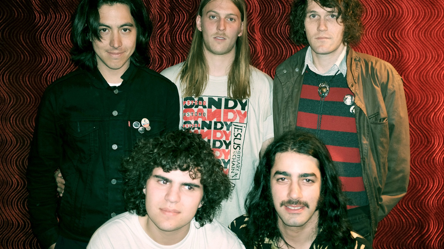 With songs that are crunchy and raw, The Mystery Lights is a Brooklyn based quintet which provides fuzz-fueled jams.