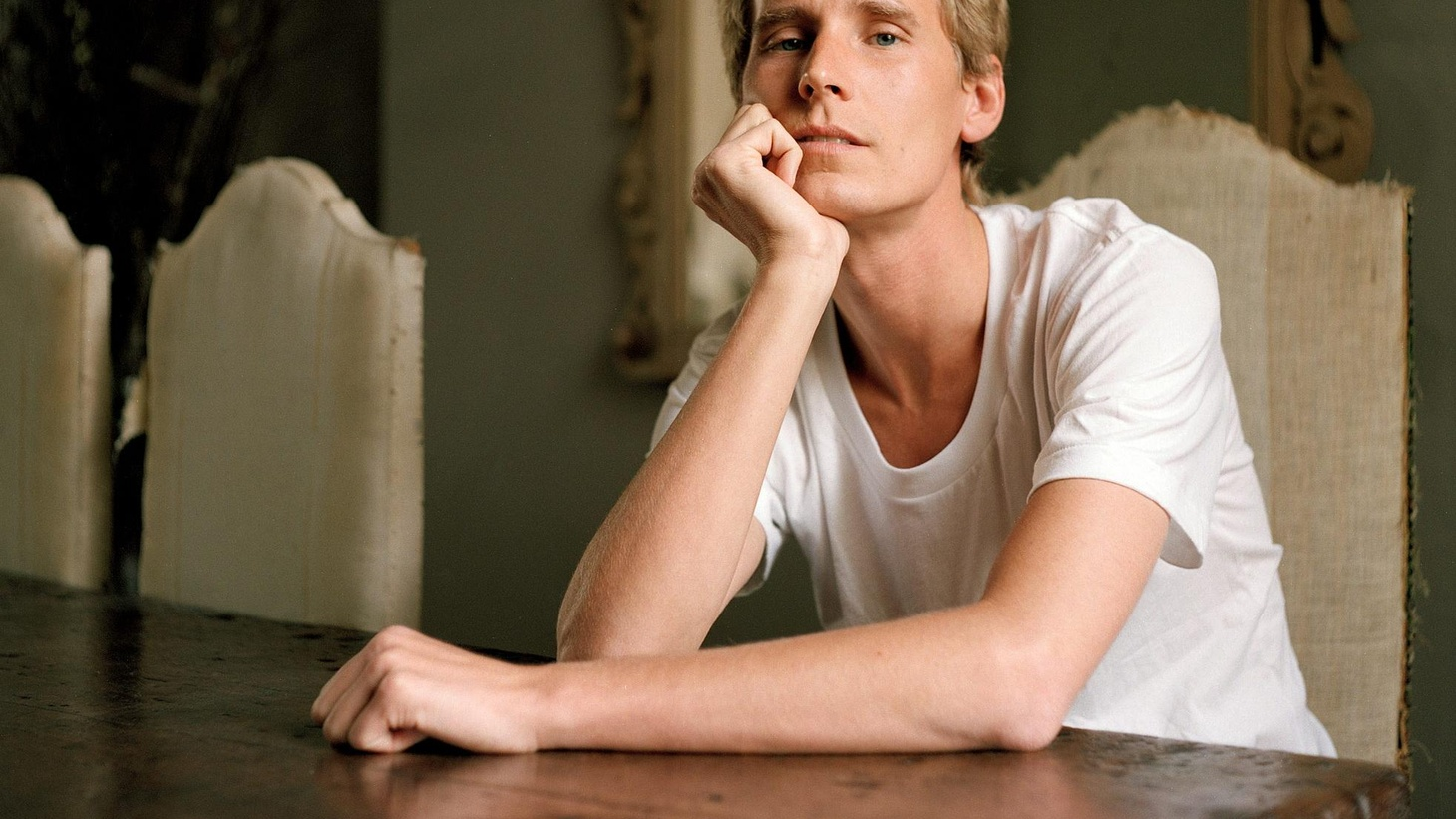 ... from Posthumous Success.    Tom Brosseau is a guitar-wielding troubadour, raised in a family of musicians and storytellers in Grand Forks, North Dakota...