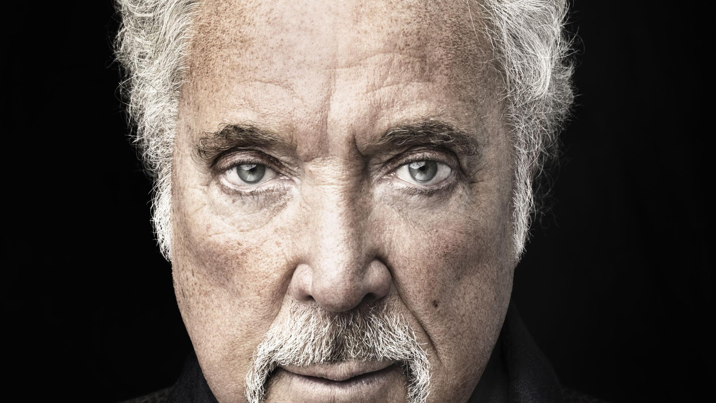 It's not unusual to think of Tom Jones as a sexy singer, crooning  as women throw their panties at him. His latest release, Praise & Blame, defies that  idea...