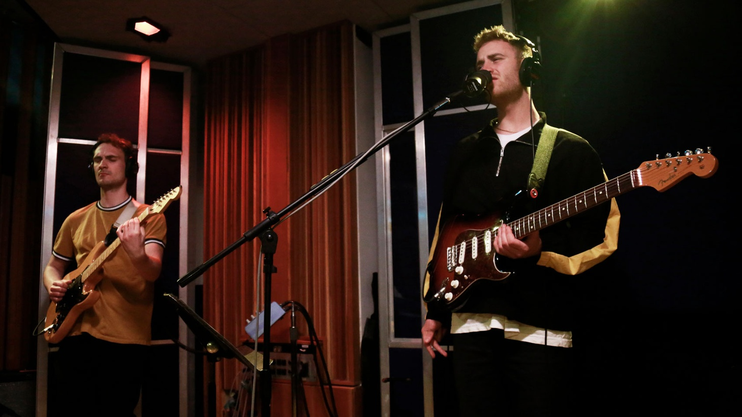 """Tom Misch was voted """"Best New Artist"""" by KCRW's DJs in 2017. A musical chameleon who hopscotches across genres with ease, his first US radio session on MBE was epic. From that session we share """"It Runs Through Me."""""""