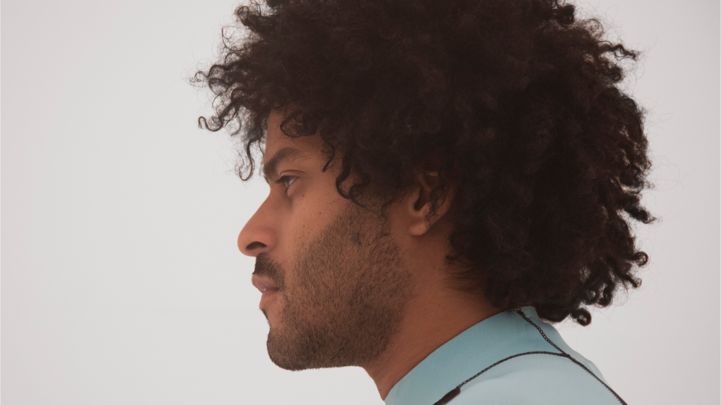 """Sometimes one has to take a fall to get on with the next phase, and for Twin Shadow, that's what happened. His new album revolves around the theme""""Caer"""" or fall in Spanish. The love song """"Saturdays"""" (feat."""