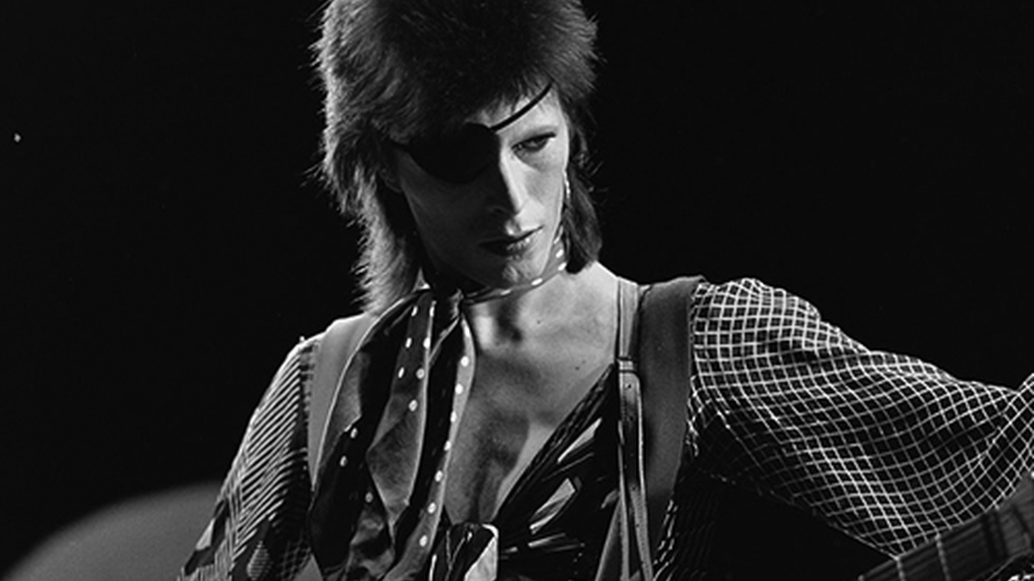 Travis pays tribute to the incredible life and work of David Bowie - Part 2 of 2.