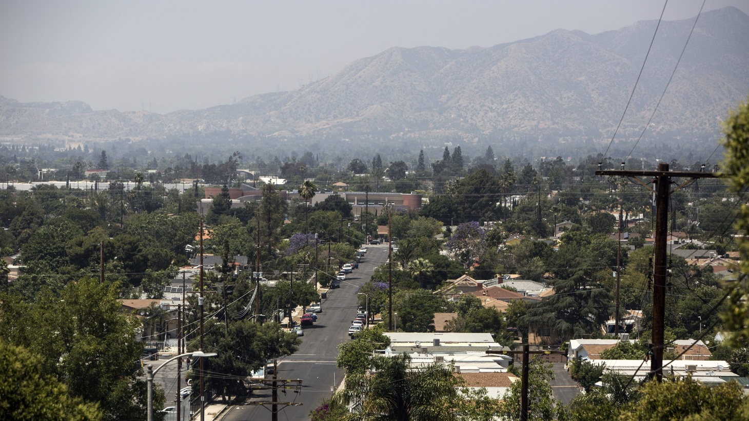 With over 1.7 million inhabitants, the San Fernando Valley is one of California's largest suburban sprawls. (Photo: Dania Maxwell)