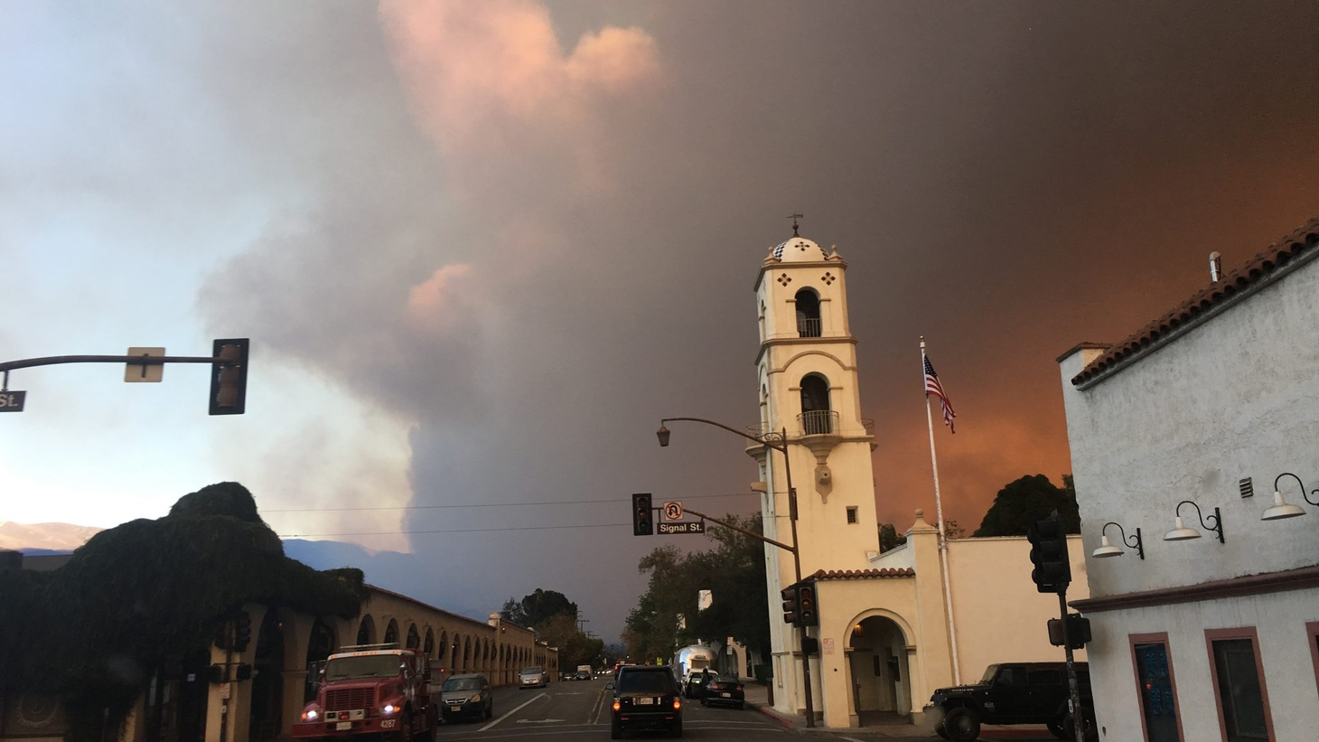 Smoke from the Thomas Fire rises above Ojai. Photo by Stephanie O'Neill