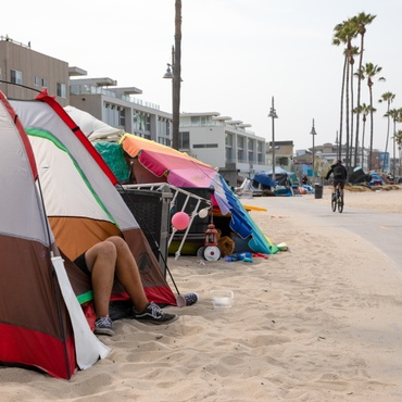 Today the LA City Council approved new rules targeting people who sit, sleep and store their belongings near building entrances, freeway underpasses, parks, homeless shelters, day care…
