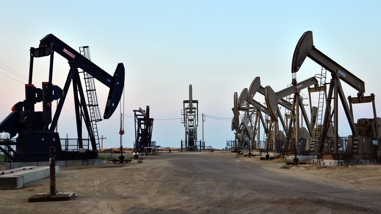 Big oil wells are scattered throughout Southern California.