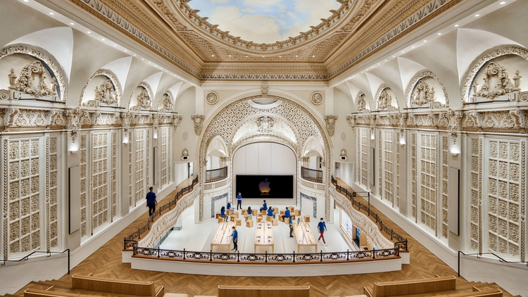 Downtown LA's Tower Theatre officially became the site of a new Apple store on June 24.