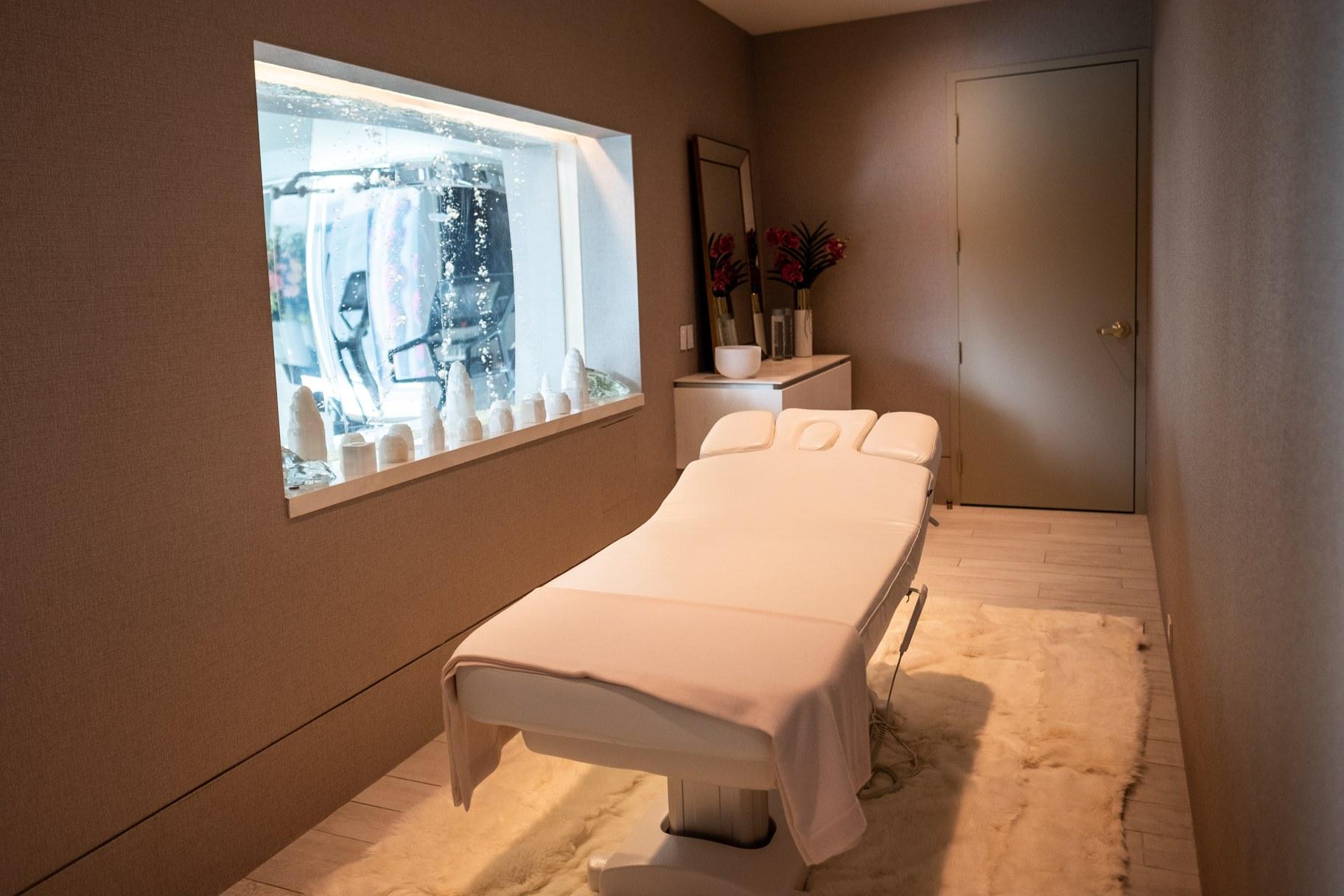 Giga mansion_massage room_ATa.jpg