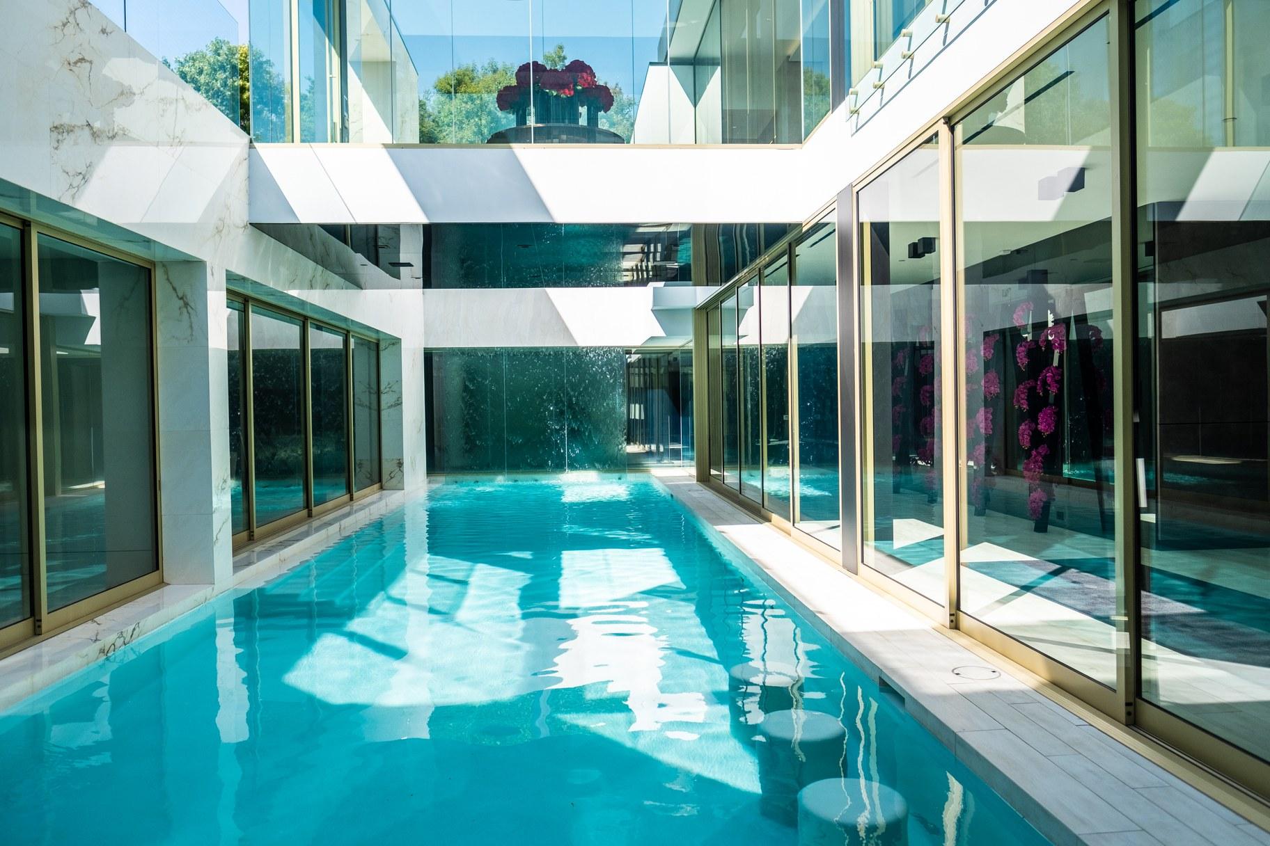 Giga mansion_pool 3_ATa.jpg