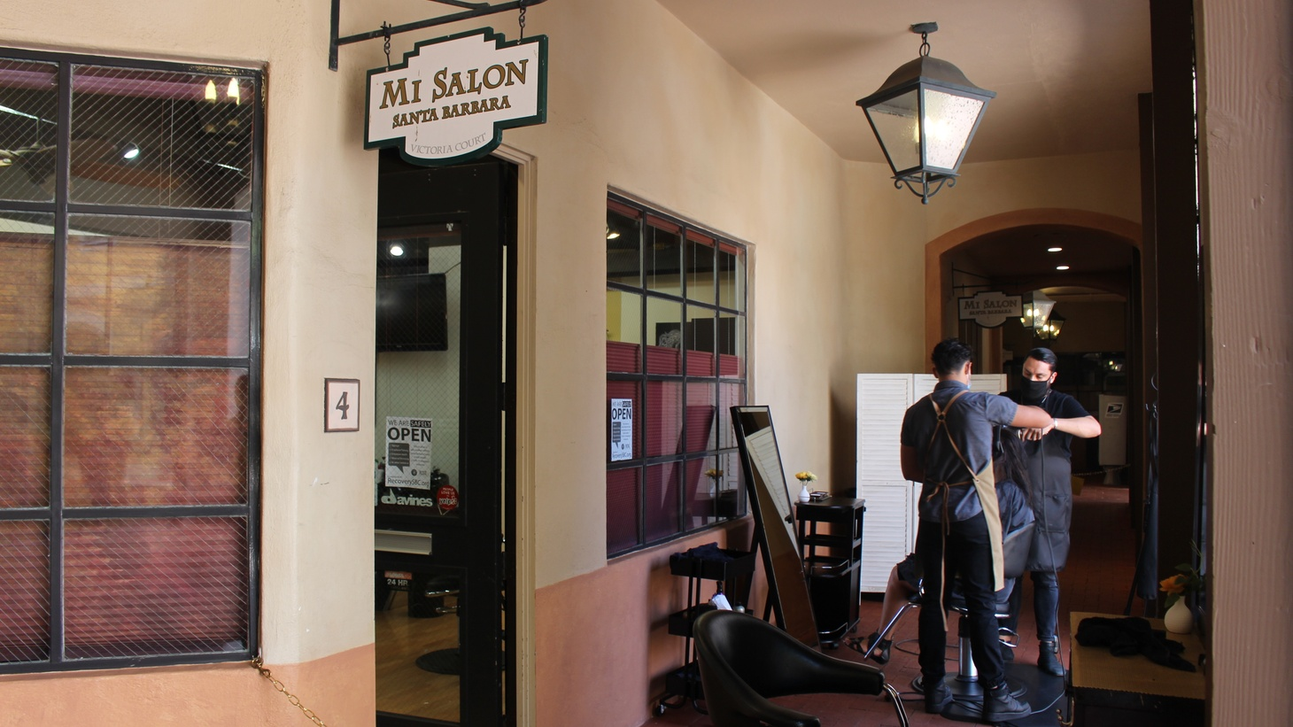Mi Salon in Santa Barbara is offering dry haircuts outdoors.