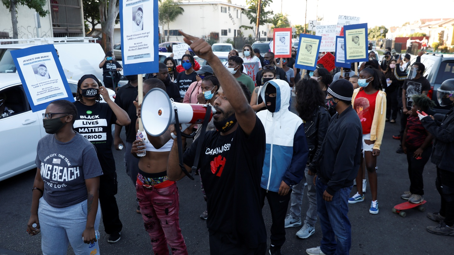 Demonstrators protest against the shooting of Dijon Kizzee by Los Angeles sheriff's deputies, in Los Angeles, California, U.S., September 1, 2020.