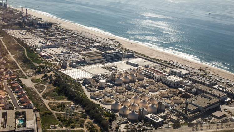 Scientists are looking into whether sewage (at wastewater treatment plants) can be early indicators of new coronavirus outbreaks in LA.