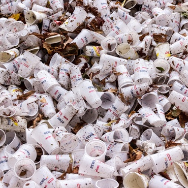 Senate Bill 54,    introduced by State Senator Ben Allen (D-Santa Monica), aimed to eliminate three-quarters of single-use, or disposable, plastic bags and containers in the next 10…