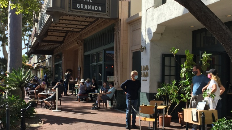 Sidewalk dining in Santa Barbara, Long Beach