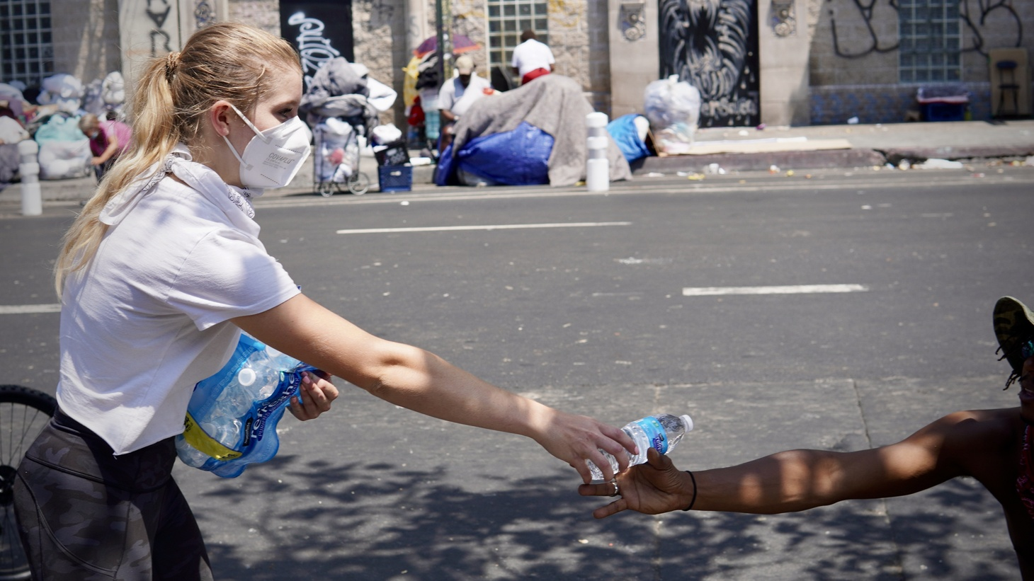 Water Drop LA, founded by USC students Aria Cataño and Catie Cummings, has been delivering more than 1,000 gallons of water every Sunday to Skid Row residents since mid-July.