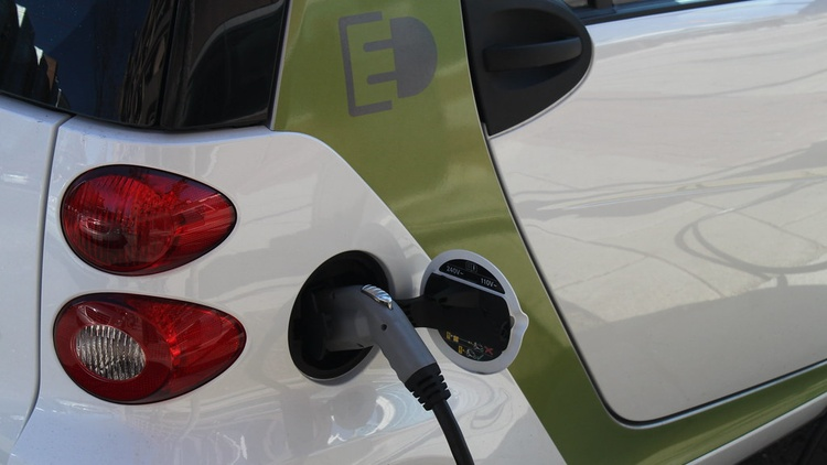We reported last week about what it's like    to own an EV    and be a renter in Los Angeles. We got a lot of questions and comments.