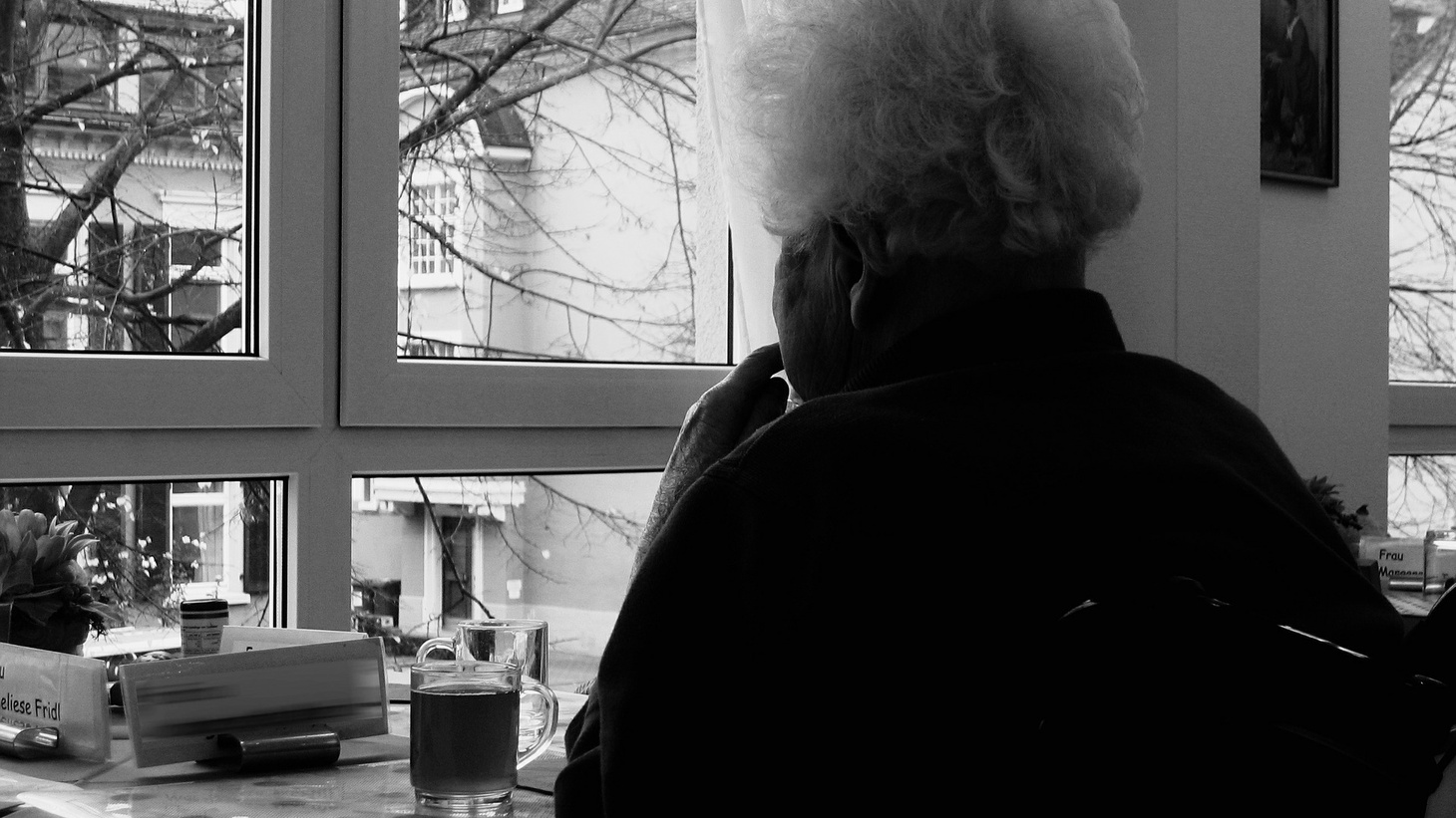An emerging trend in the COVID-19 outbreak finds seniors and loved ones interacting through the window of care facilities.