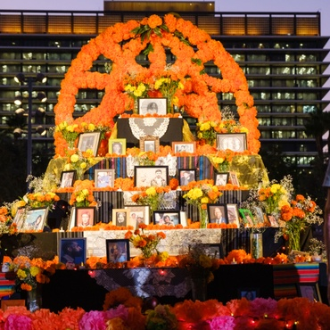 Día de los Muertos is when loved ones gather to share stories, food, and music and to honor the dead.