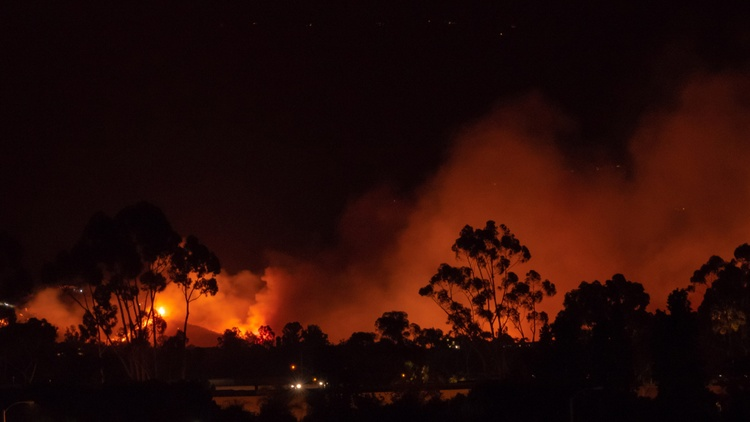 Officials in Santa Barbara are discussing what went right, and what went wrong the night the Holiday Fire broke out in Goleta earlier this month.