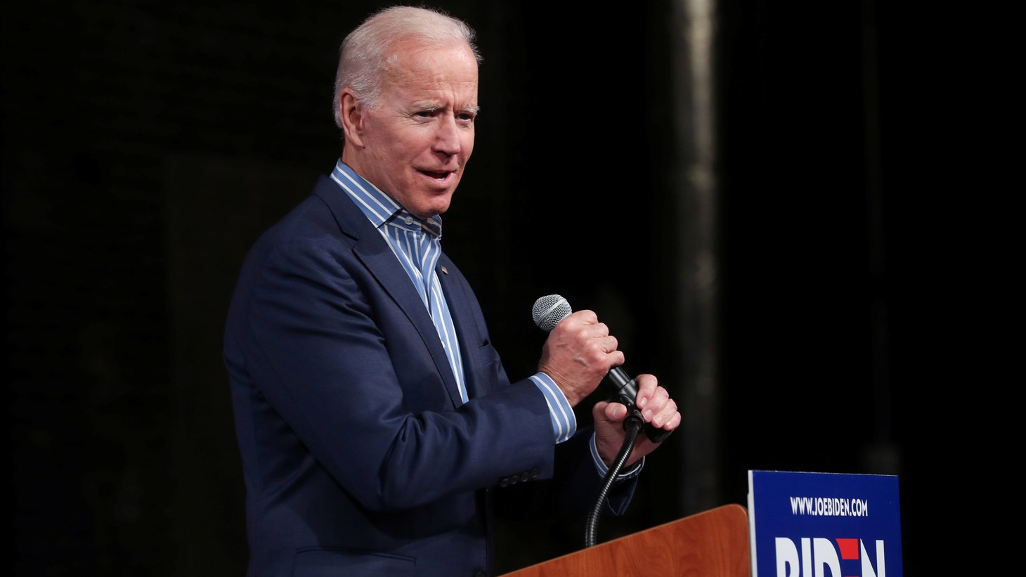 U.S. Democratic presidential candidate former Vice President Joe Biden holds a campaign stop in Des Moines, Iowa, U.S. May 1, 2019.