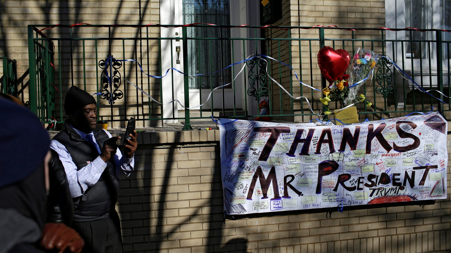"""A sign that reads """"Thanks Mr. President Trump"""" is displayed outside the home of Rod Blagojevich, the ex-Illinois governor convicted of trying to peddle Barack Obama's vacated U.S. Senate seat, after U.S. President Donald Trump commuted his prison sentence, in Chicago, Illinois, U.S. February 19, 2020."""