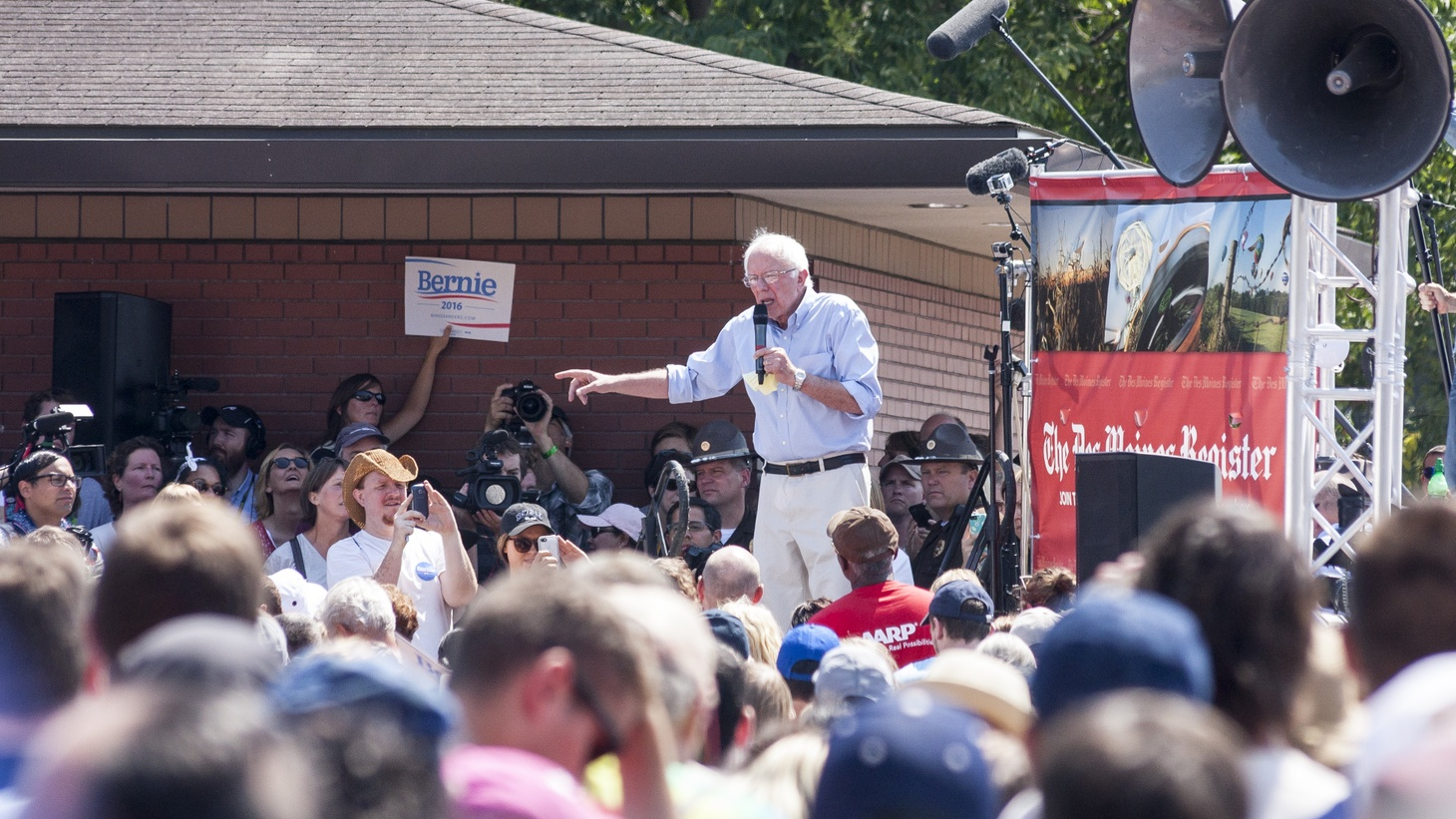 Bernie Sanders speaks to thousands of people during his remarks at the Des Moines Register's political soapbox at the 2015 Iowa State Fair.