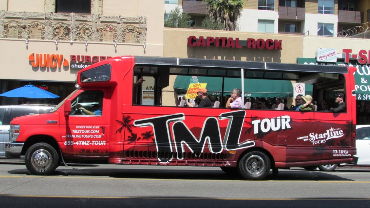 A tour bus in Los Angeles.