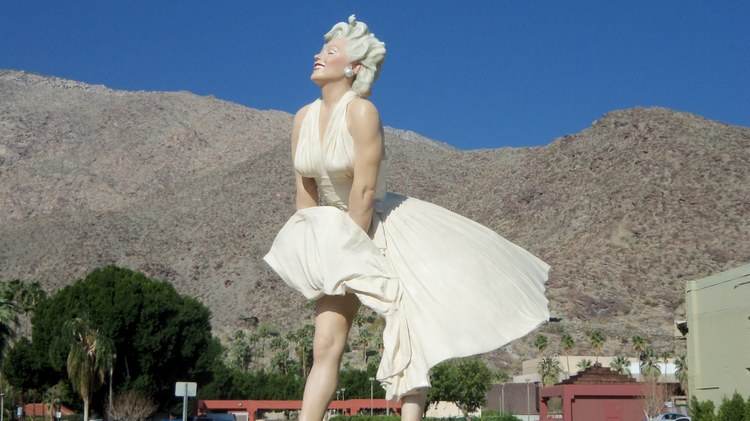 A nearly 30-foot statue of Marilyn Monroe is headed back to Palm Springs.