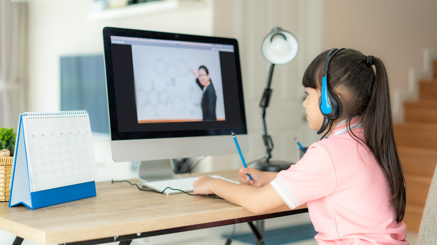 Governor Newsom and state legislators want all K-12 schools to offer an option for remote learning.