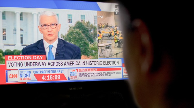 This election night is made for TV news. History is made on the spot. Viewers expect shocking announcements, infamous corrections, and lessons in electoral law.