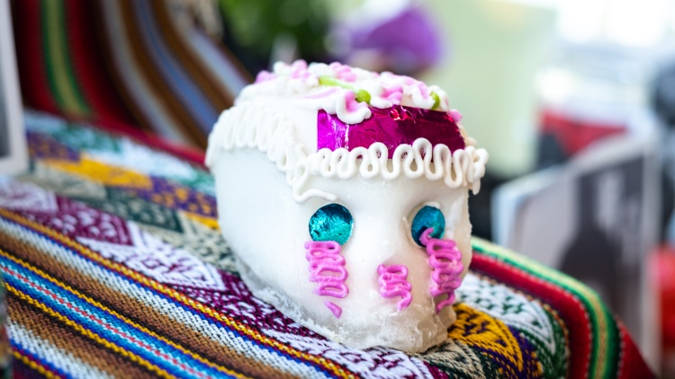 Día de los Muertos, or Day of the Dead, takes place each year on November 2.