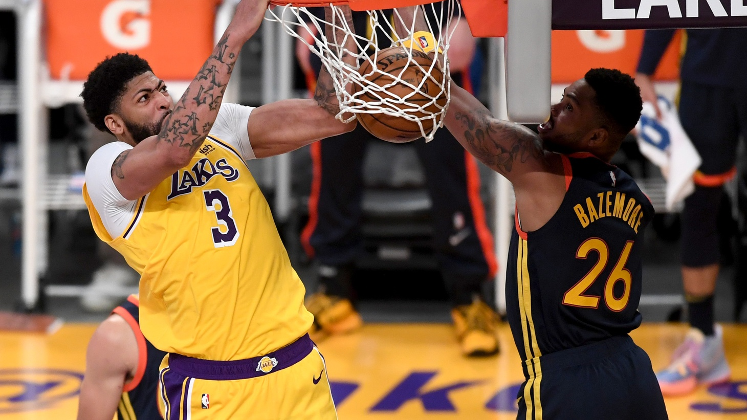 Los Angeles Lakers forward Anthony Davis (3) goes up for a dunk past Golden State Warriors forward Kent Bazemore (26) in the second half of the game at Staples Center, May 19, 2021, Los Angeles, California, USA.