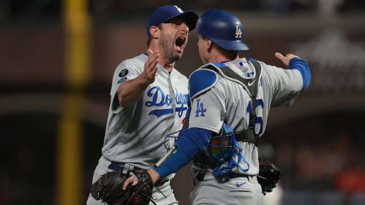 At Oracle Park on Thursday night, the Dodgers beat the San Francisco Giants in the final moment — due to an umpire call against the Giants that even the most die-hard Dodger fans say…