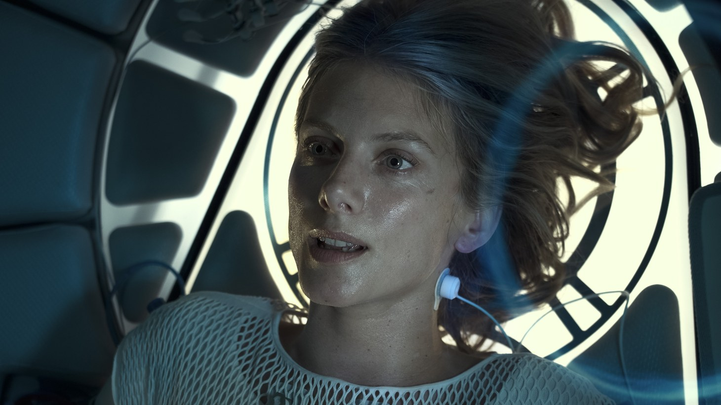 """In Netflix film """"Oxygen,"""" French actress Mélanie Laurent fights for air as a woman who wakes up in a cryogenic chamber."""