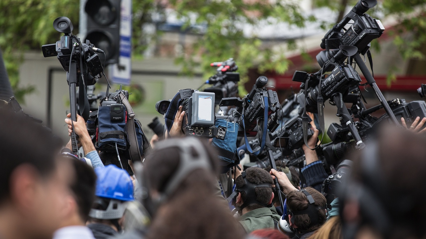 What First Amendment rights do journalists have while covering protests and political events?