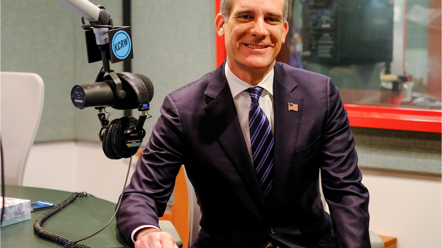 Eric Garcetti talks about his call to end homelessness and what that looks like. He wants to put emergency shelters in every council district, and disputes criticism that 1500 beds is a drop in the bucket.