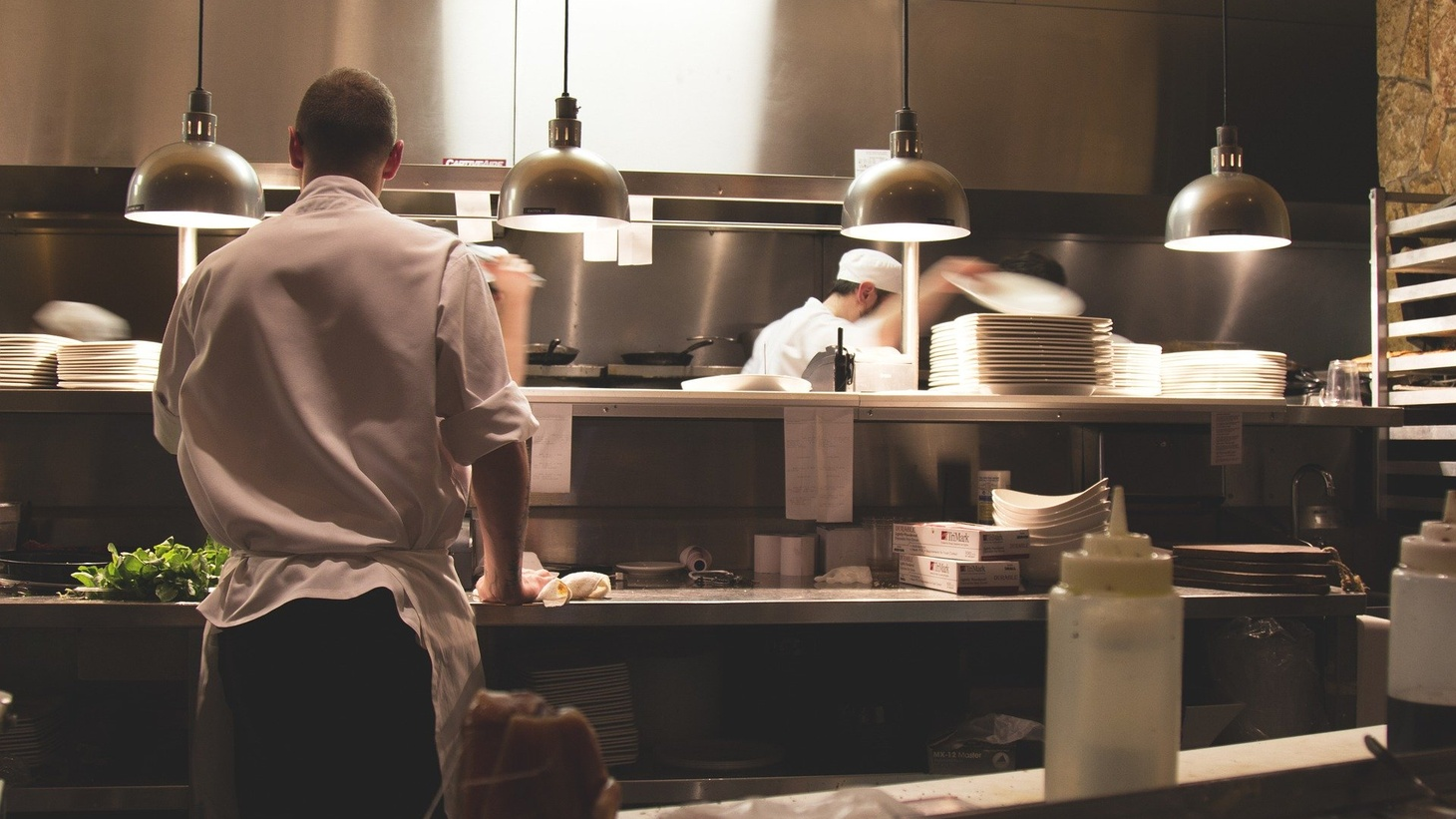 As dine-in restaurants reopen during the coronavirus pandemic, how will staff and customers maintain social distancing?