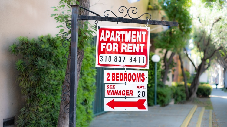 Rent drops in LA but rises in Inland Empire. Median home price in California hits record