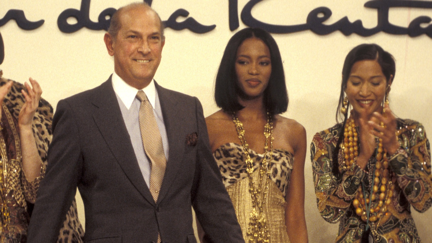 Beloved fashion designer Oscar de la Renta, known for his timelessly beautiful, yet wearable garments, died yesterday at the age of 82. And will LA soon have a pro football team again...and is that a good thing?