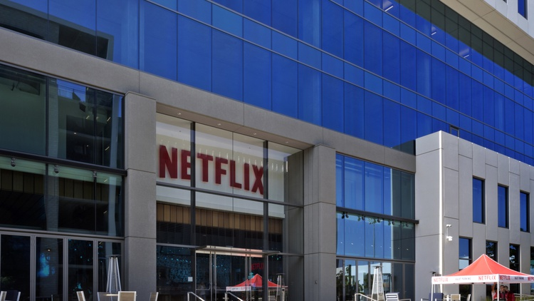 """Netflix decided to pay around $100 million to keep streaming """"Friends."""" With all the cash Netflix is burning, is it sustainable?"""