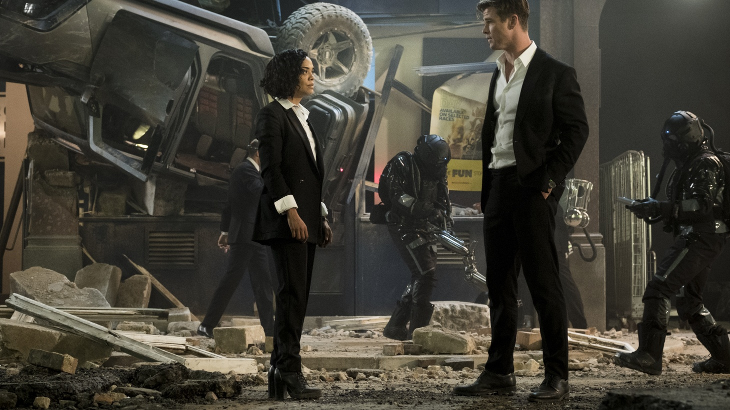 "Chris Hemsworth and Tessa Thomson in ""Men in Black: International."""