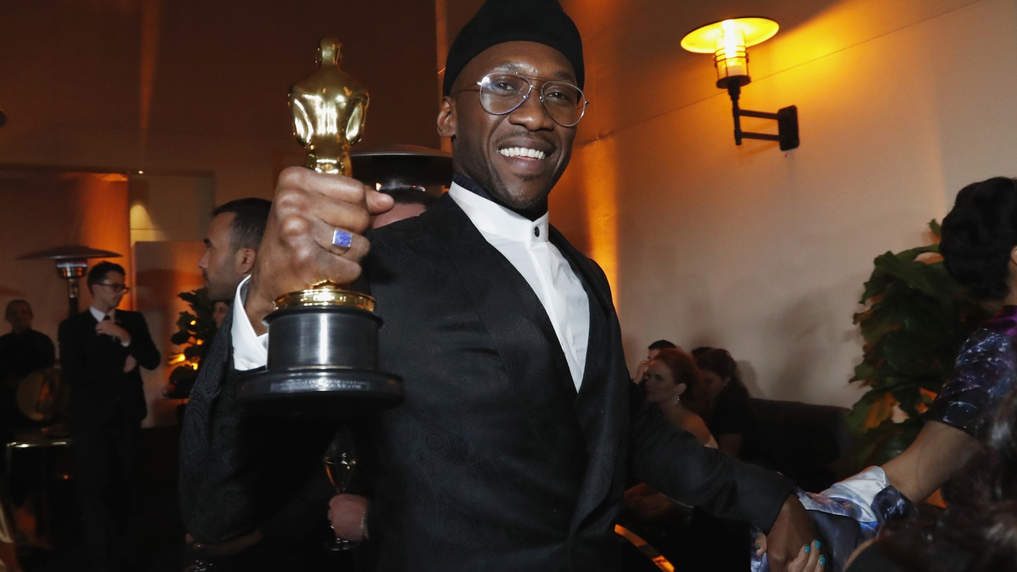 "Mahershala Ali with his Best Supporting Actor award for ""Green Book"" at the Oscars Governors Ball - Hollywood, Los Angeles, California, U.S., February 24, 2019."