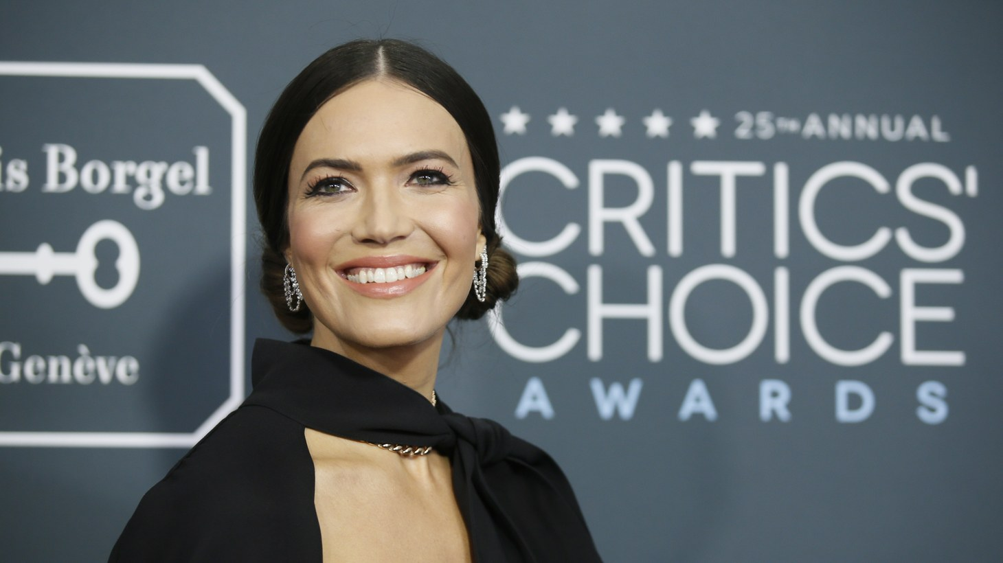 """Mandy Moore, a star on NBC's """"This is US,"""" arrives at the 25th Critics Choice Awards in Santa Monica, California, U.S., January 12, 2020."""
